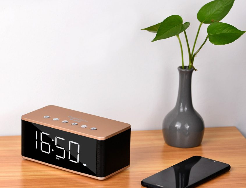 Bluetooth-clock-speaker-rose-photo